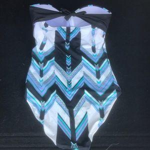SKYE by Infinity Raine Swim - Gorgeous Skye one piece swimsuit size S/P